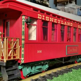 Disneyland Railroad/Completed Lilly Belle Coach/Imagination Station Kids On Track/Disney Rights Reserved