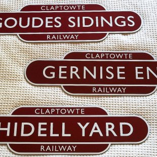 Claptowte Railway Signs