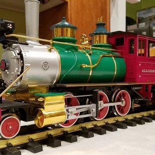 Disneyland Railroad CK Holiday LGB (22184) New Addition